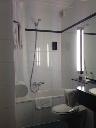 Hotel Fevery: sparkling bathroom