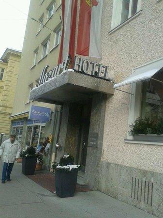 Hotel Mozart : fachada do hotel....adorei a localização.