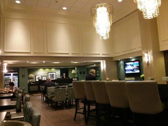 Hampton Inn & Suites Toronto Airport: Restaurant
