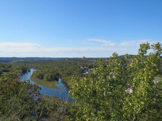 Table Rock Lake: View from the lookout point off highway 165 towards Branson