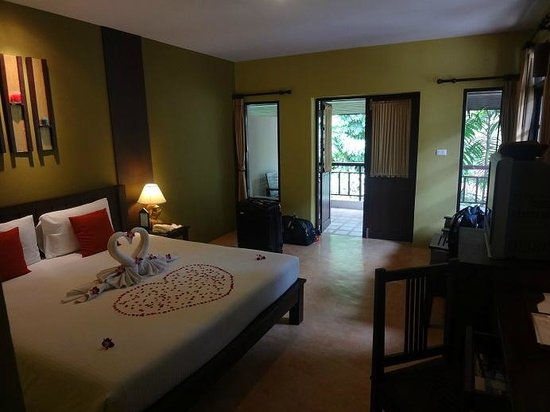 Baan Chaweng Beach Resort & Spa : Our room, an upstairs 'superior building'.