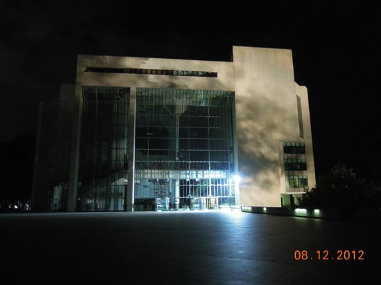 High Court of Australia: By night. Canberra's Centenary Celebrations