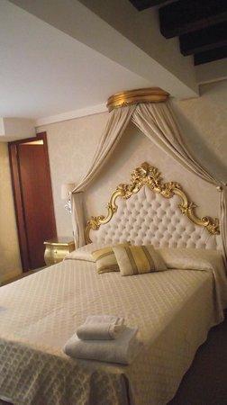 Ca' del Duca: Habitacion dorada