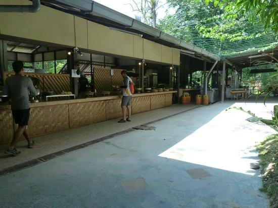 Adeline Villa & Rest House: Buffet Area