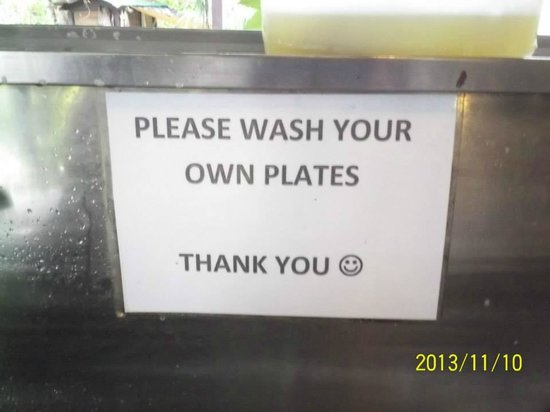 Adeline Villa & Rest House: Wash your own plate