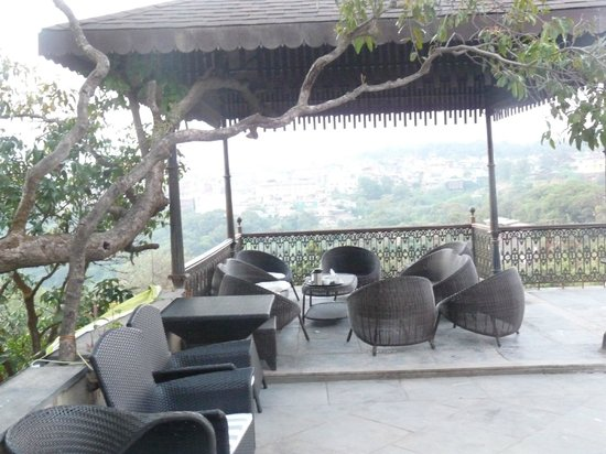 Regenta MPG Club Mahabaleshwar: Valley facing Sit out area outside our room