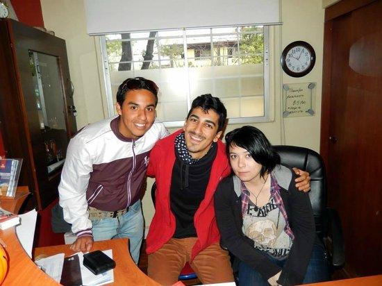 Traveller's Place Hostel: Amigos y Staff