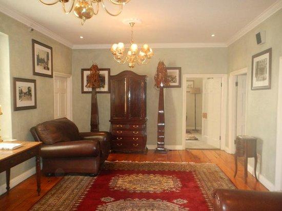 Cape Heritage Hotel : hallway
