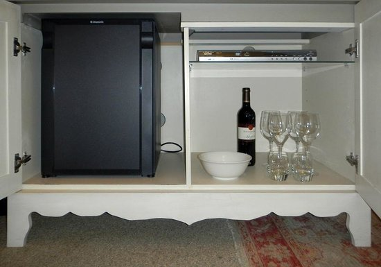Cape Heritage Hotel: fridge