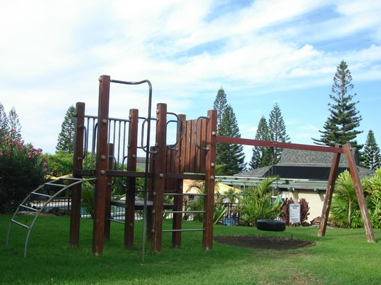 Paniolo Greens Resort: kids playground area