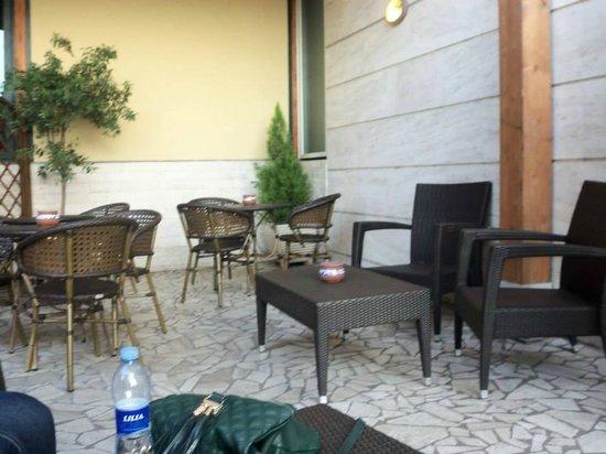 Saint Paul Hotel : Outside Smoking Area