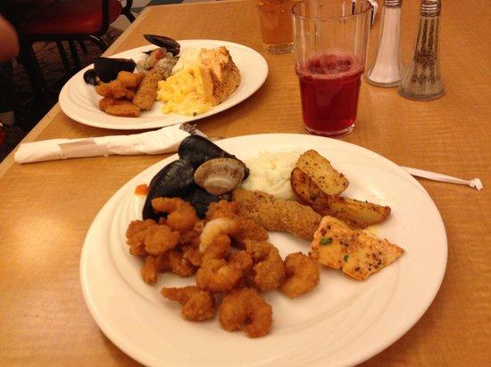 Circus Buffet : Camarões, mexilhões, peixe e muito mais coisas...