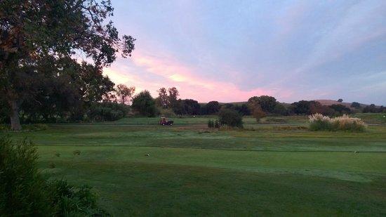 Chardonnay Golf Club: Morning Sunrise at Chardonnay
