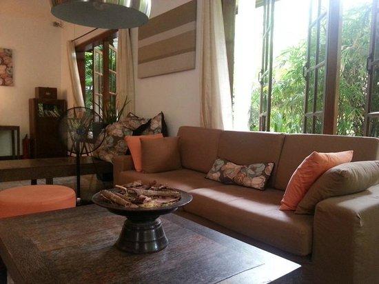 The Kabiki: Sitting area in lobby