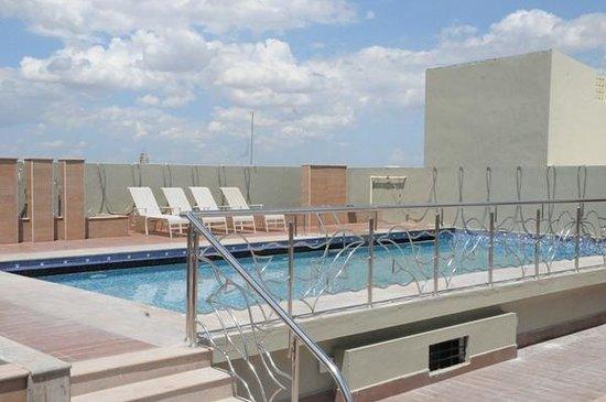 Hotel Heritage Residency : Swimming pool