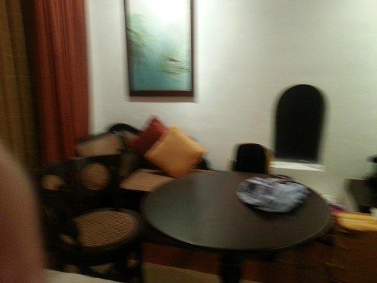 Cinnamon Lodge Habarana: Living area