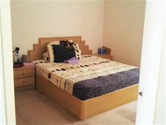 Bayu Emas Apartments : Masterbedroom