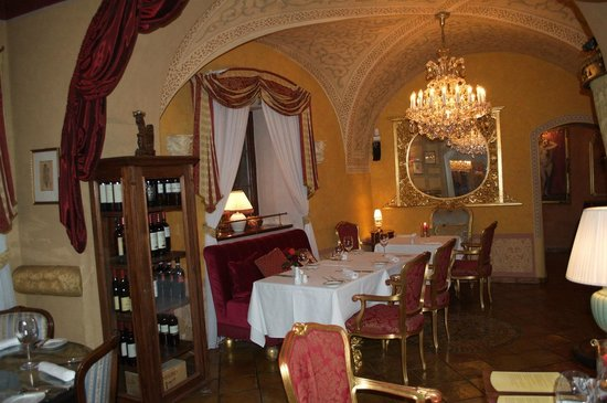 Alchymist Nosticova Palace : Cosy, intimate and interesting dining area