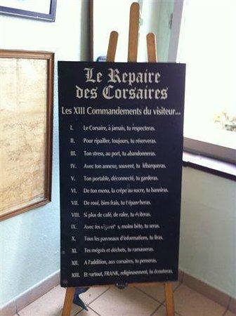 Restaurant Ile de Cezembre : Quand on à lu, on comprend comment ça fonctionne...