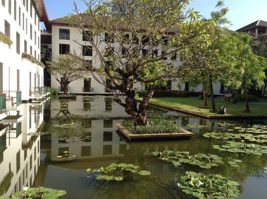 The Sukhothai Bangkok : giardino interno