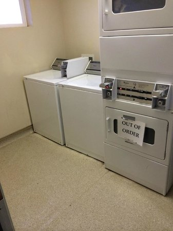 Zion Ponderosa Ranch Resort: On site laundry room (2 washers, 4 driers, $1 each)