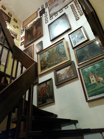 Sudbahnhof: Stairs to wash-room.