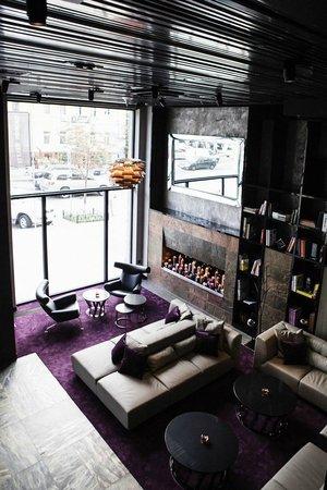 11 Mirrors Design Hotel: Lobby
