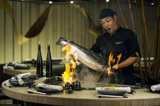 Nami Teppanyaki Steakhouse - at the JW Marriott Hotel Bangkok : Chef in Action
