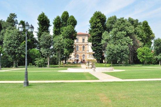 Villa Belussi