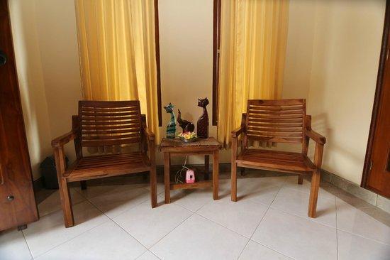 Alam Sari Homestays : Homestay veranda