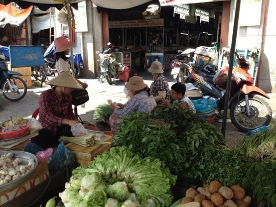 Saigon Street Eats: fresh vegies