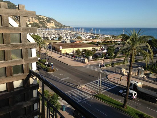 Hotel Napoleon: Blick vom Fenster zur Marina