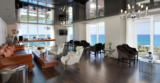 Island Suites Hotel: Business Lounge