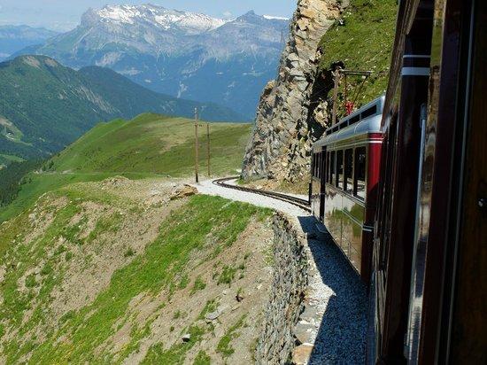Tramway du Mont-Blanc: На поезде над пропастью
