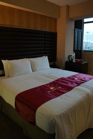 W5 Best Hotel : bed