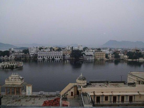 Hotel The Tiger : Gangaur Ghat ,Pinchola Lake...