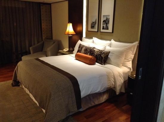 Anantara Riverside Bangkok Resort: chambre