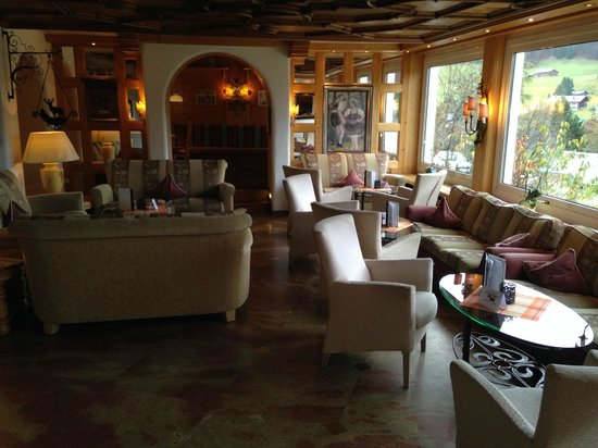 Alpenhotel Oberstdorf: Livingroom