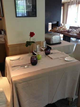 DV Chalet Boutique Hotel & Spa: Dining