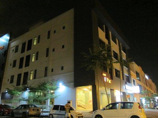 U Pac Hotel : 外觀