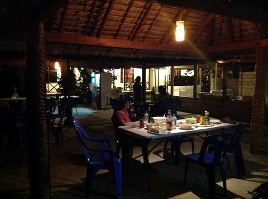 The George Hotel Kiribati : dinner @ the george hotel - very relaxing