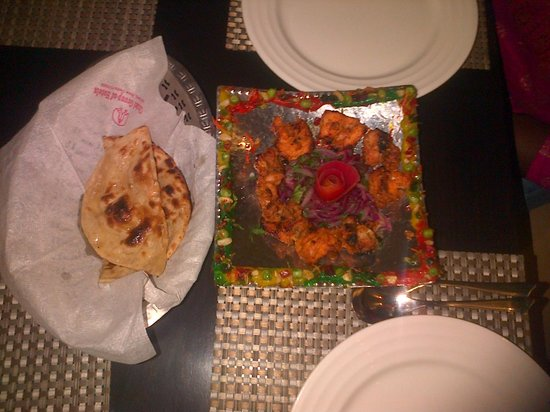 Hotel City Star: Great chicken tika at the hotel restaurant