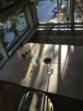 L'Autre bistro: Sunset Wine