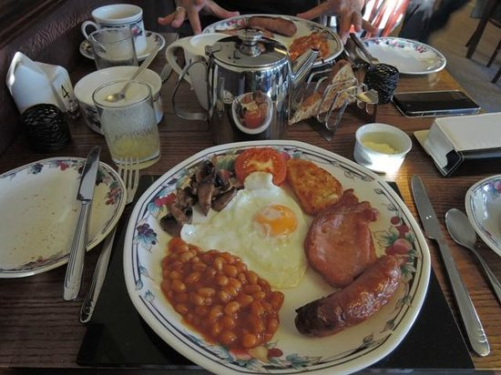 1863 Bar Bistro Rooms: The traditional English breakfast is also tasty