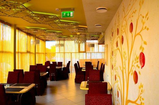 Caravan House Restaurant: 1st floor