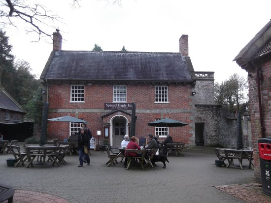 Spread Eagle Inn: View from the courtyard