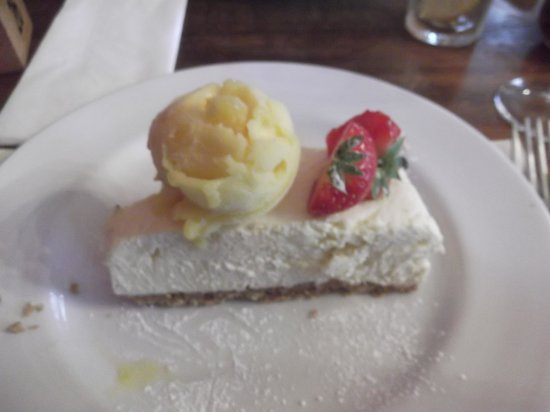 Spread Eagle Inn: Irresistable White Chocolate Cheesecake