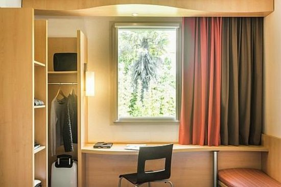 ibis Les Sables d'Olonne Centre : La chambre
