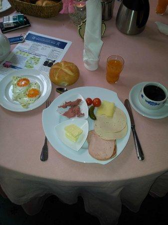 Wellness-Sport-Hotel Bayerischer Hof: Unser Frühstück