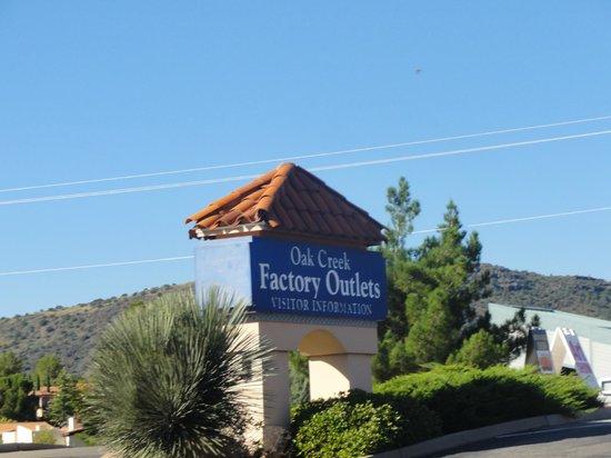 Oak Creek Factory Outlets: Oak Creek Factory Outlet